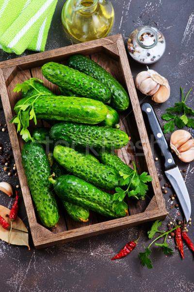 Pepinos caixa tabela jardim verde alimentação Foto stock © tycoon