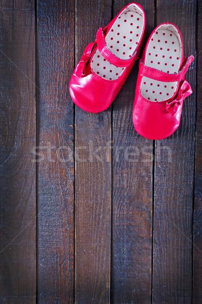Foto stock: Vermelho · menina · amor · madeira