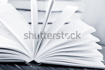 Ouvrir livres affaires bureau livre école Photo stock © tycoon