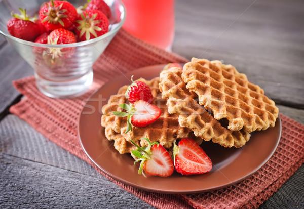 Wafel czerwony deser jeść krem słodkie Zdjęcia stock © tycoon