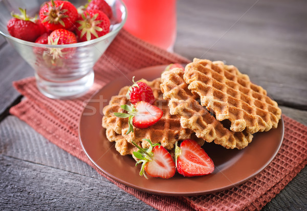 Waffle vermelho sobremesa comer creme doce Foto stock © tycoon