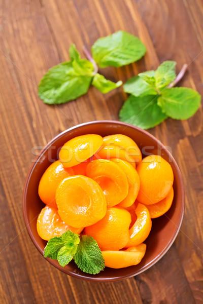 Fruits fond orange vert laisse Peach Photo stock © tycoon