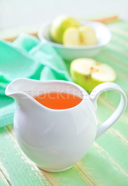 Almalé üveg asztal zöld szín dzsúz Stock fotó © tycoon