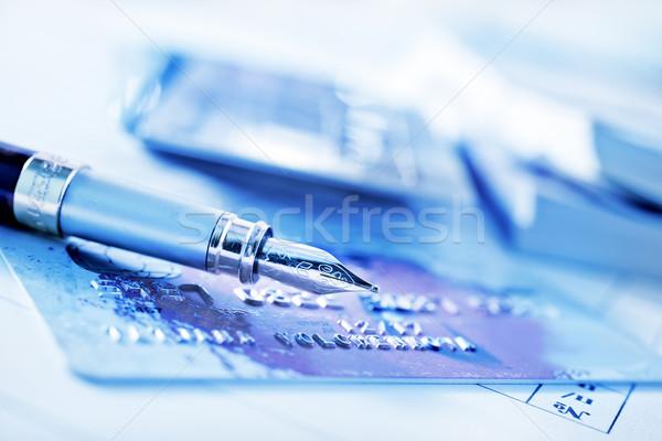 Kredi kartı para mavi anahtar kırmızı finanse Stok fotoğraf © tycoon