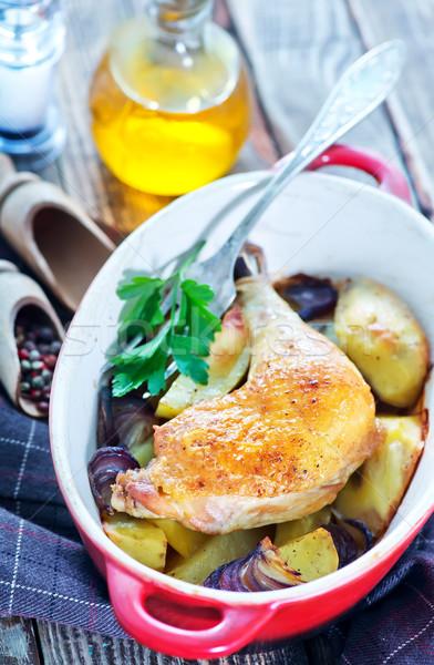 Tükörtojás tyúk sültcsirke láb sült krumpli Stock fotó © tycoon