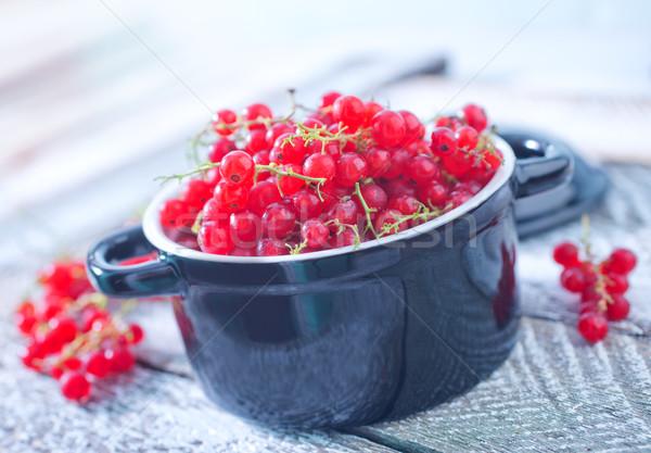 Frescos rojo grosella tazón mesa alimentos Foto stock © tycoon