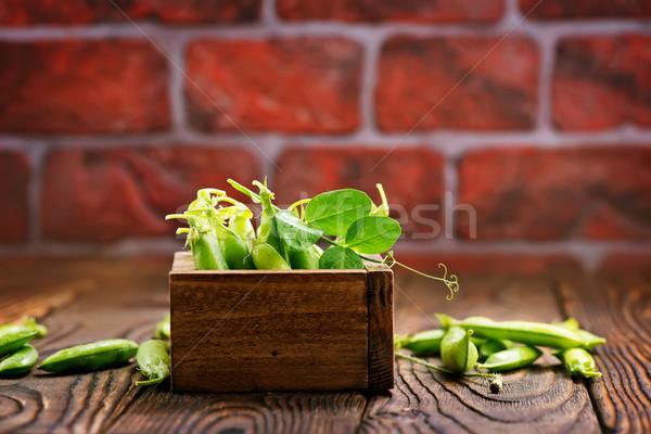 Stok fotoğraf: Yeşil · bezelye · sepet · tablo · sağlık · salata