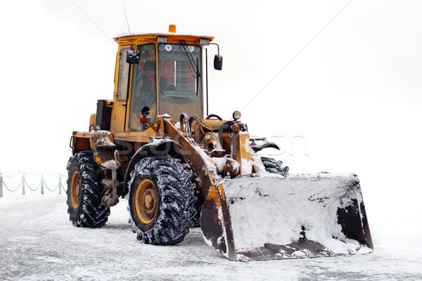Сток-фото: старые · трактора · ковша · зима · площадка