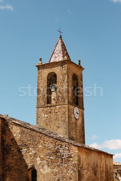 Wieża starożytnych twierdza banderą kościoła wojny Zdjęcia stock © ultrapro