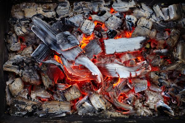 Primo piano brucia carbone di legna rosso buio abstract Foto d'archivio © ultrapro