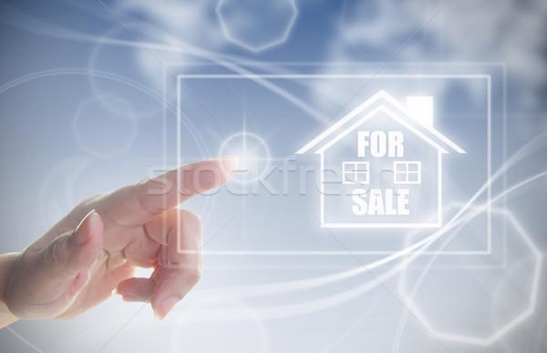 Mão casa venda dedo tela sensível ao toque Foto stock © unikpix