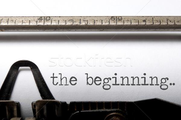 Begin afgedrukt oude schrijfmachine leven vintage Stockfoto © unikpix
