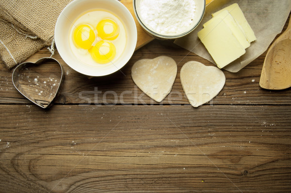 Hazırlık malzemeler yumurta un kalp şekli Stok fotoğraf © unikpix