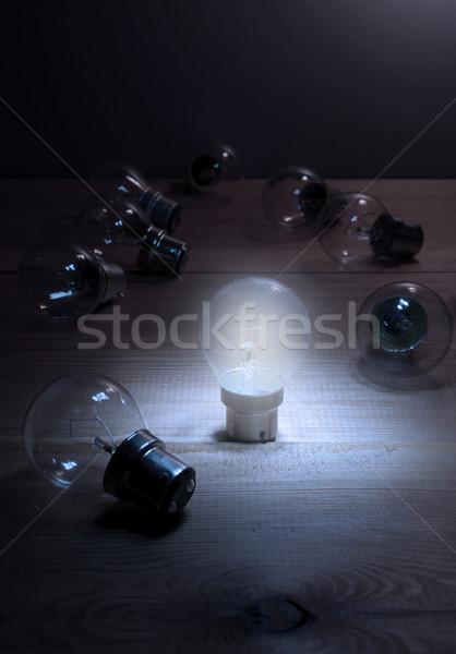 único bulbo muitos luz multidão lâmpada Foto stock © unikpix