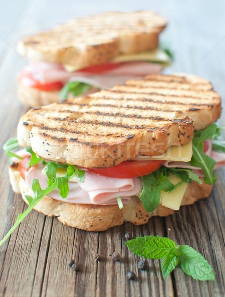 Grillés sandwiches jambon fromages haut planche à découper Photo stock © unikpix