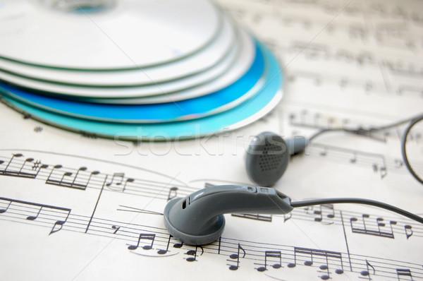 Zene pár fülhallgató pontszám cd-k jegyzetek Stock fotó © unikpix