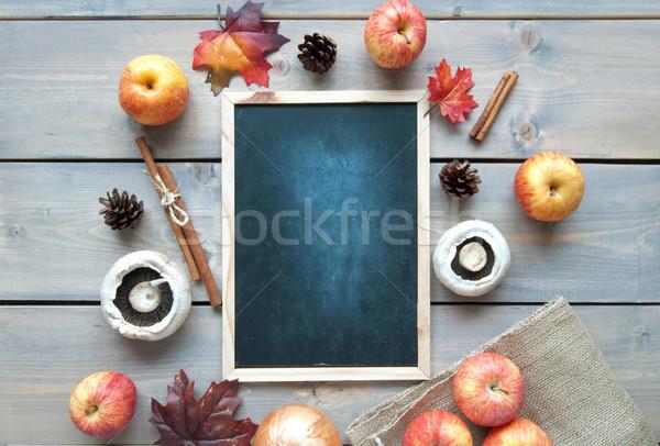 Jesienią Tablica przestrzeni jabłko liści owoców Zdjęcia stock © unikpix