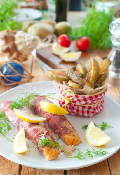 морепродуктов еды бекон лосося жареный картофеля Сток-фото © unikpix