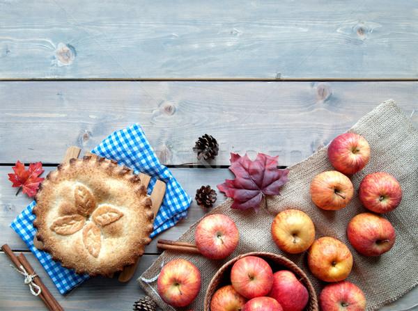 Almás pite gyümölcs hozzávalók fa asztal alma levél Stock fotó © unikpix
