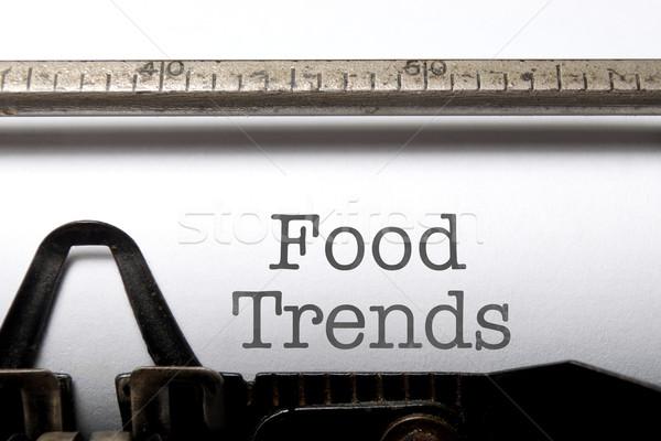 Voedsel trends afgedrukt oude schrijfmachine krant Stockfoto © unikpix