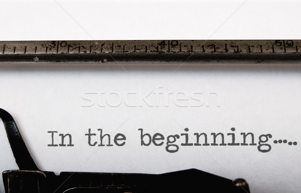 Begin geschreven vintage schrijfmachine boek schrijven Stockfoto © unikpix