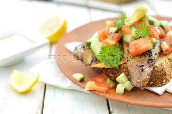 Makréla hal füstölt frissen aprított uborka Stock fotó © unikpix