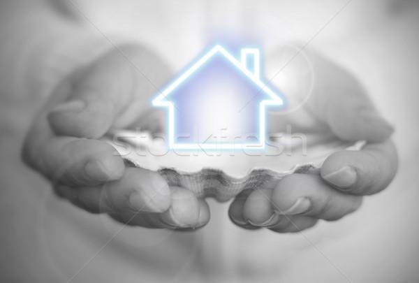 Sonho propriedade ostra descoberta mão Foto stock © unikpix