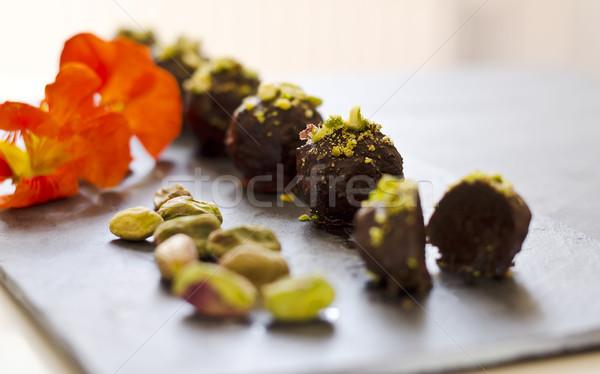 Rauw voedsel chocolade donkere plaat decoratie voedsel Stockfoto © unkreatives