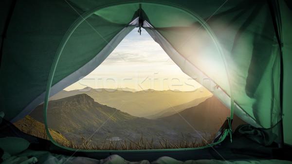 Nyitva kempingezés sátor lélegzetelállító kilátás csodálatos Stock fotó © unkreatives