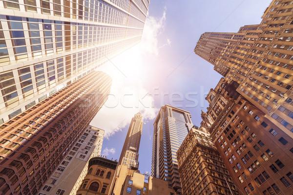 Iroda tornyok nap alulról fotózva lövés irodaépületek Stock fotó © unkreatives