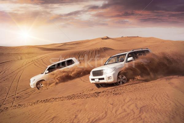Woestijn duin twee 4x4 voertuigen kant Stockfoto © unkreatives
