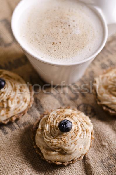 Nyers étel minitorták csésze kávé áfonya felső Stock fotó © unkreatives