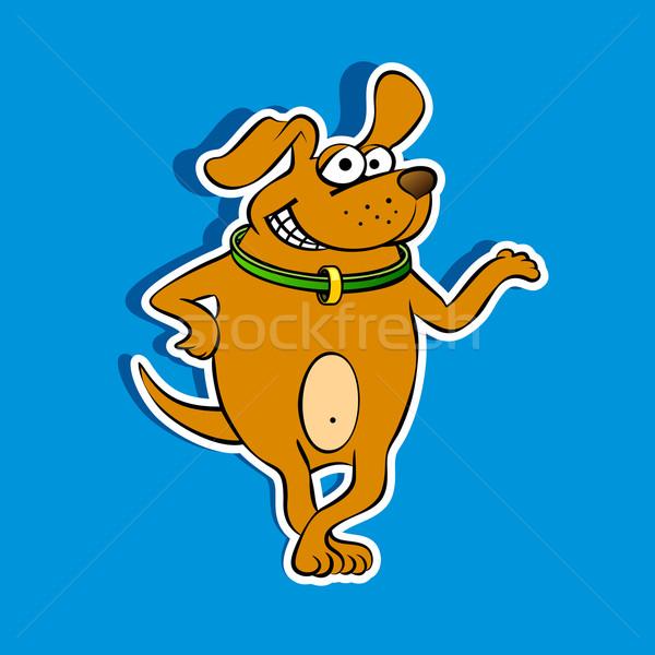 Szczęśliwy psa maskotka uśmiechnięty brązowy szczeniak Zdjęcia stock © unweit