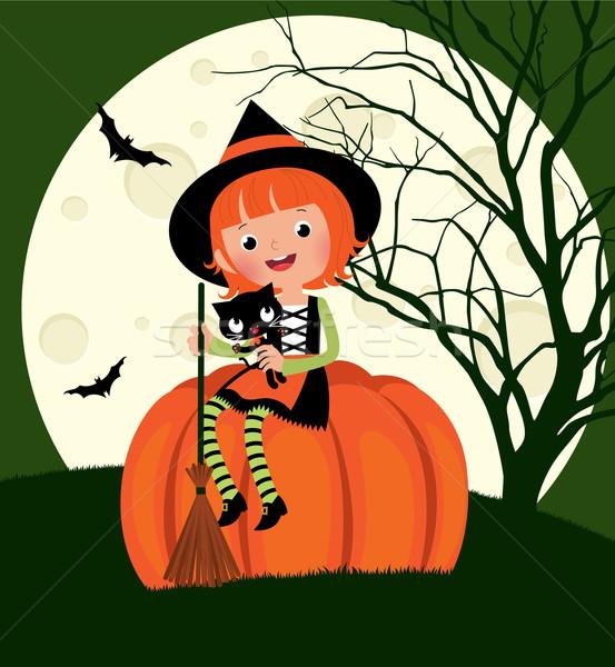 Halloween cadı oturma kabak çocuk kostüm Stok fotoğraf © UrchenkoJulia