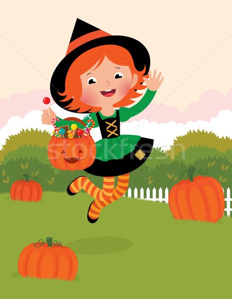 Nina bruja traje halloween saltar mujer Foto stock © UrchenkoJulia
