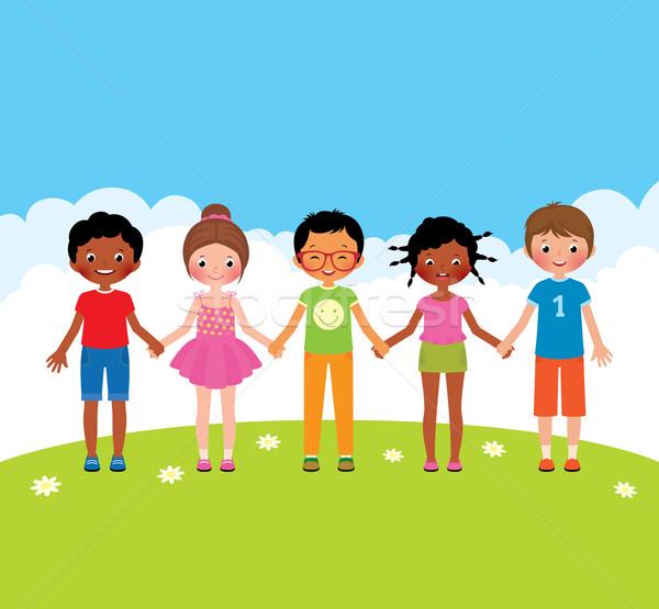 Grupy szczęśliwy dzieci chłopców dziewcząt trzymając się za ręce Zdjęcia stock © UrchenkoJulia