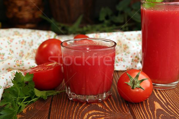 Twee bril tomatensap vers tomaten houten tafel Stockfoto © user_11056481