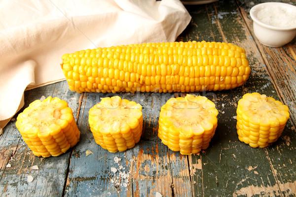 Gekookt mais gehakt oor rustiek houten tafel Stockfoto © user_11056481