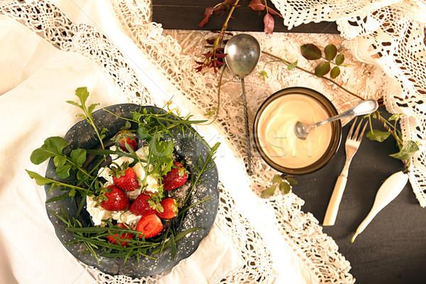 Schwarz Platte Erdbeere alten weiß Spitze Stock foto © user_11056481