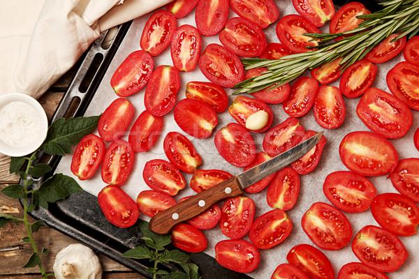 Voorbereiding gedroogd tomaten ruw oude houten tafel Stockfoto © user_11056481