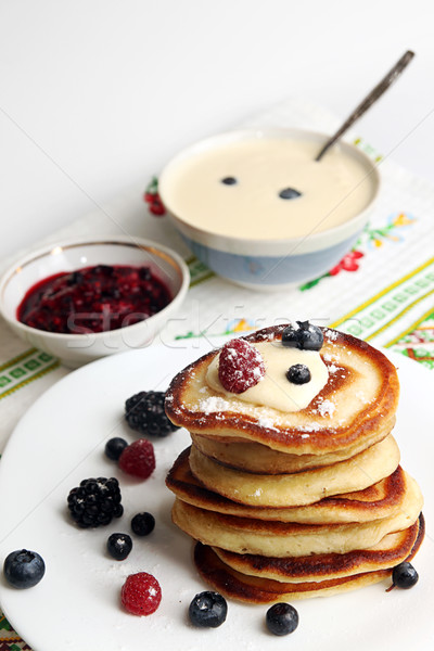 ягодные Jam сметана белый пластина Сток-фото © user_11056481