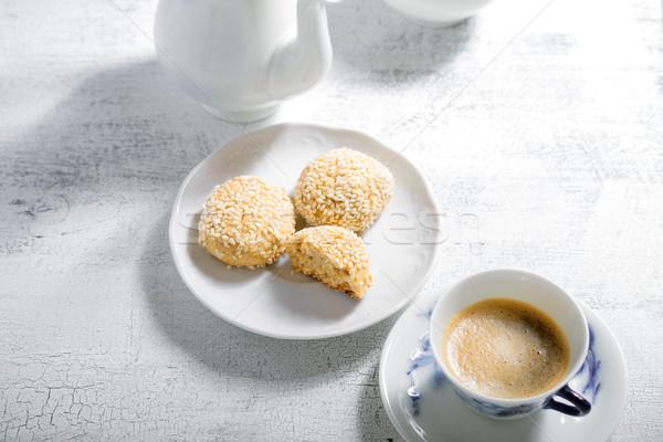Mandula sütik kávé fehér asztal desszert Stock fotó © user_11224430