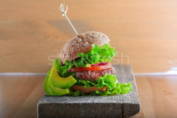 Fatto in casa burger rustico legno desk Foto d'archivio © user_11224430