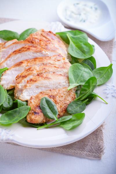 Grillcsirke mell növényzet tányér hús citromsárga Stock fotó © user_11224430