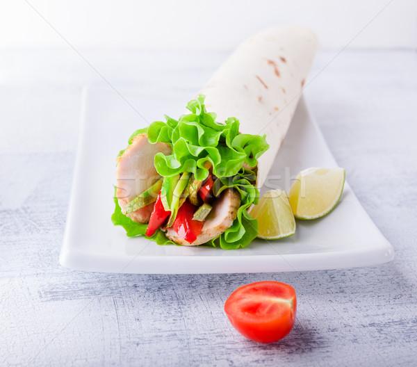 Tyúk csomagolás szendvics kert saláta saláta Stock fotó © user_11224430