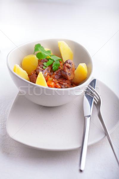 Sığır eti güveç patates yavaş et domates pişirme Stok fotoğraf © user_11224430