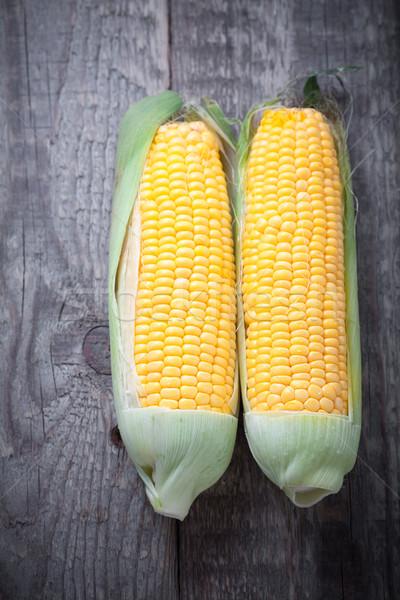 Kukorica fa friss csemegekukorica fa asztal levél Stock fotó © user_11224430