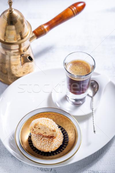 Mandulák sütik kávé fehér tányér desszert Stock fotó © user_11224430