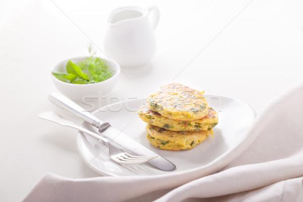 Saludable calabacín vegetariano servido mesa blanco Foto stock © user_11224430