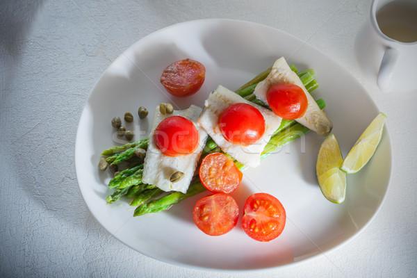 サバ アスパラガス 白 プレート 食品 ディナー ストックフォト © user_11224430